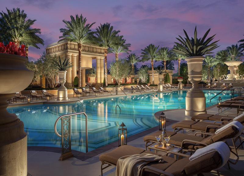 5-star casino hotel in center strip - fountains area