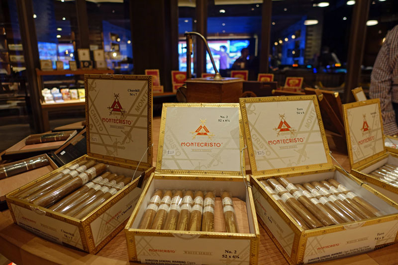 Montecristo Cigar Bar at Caesars